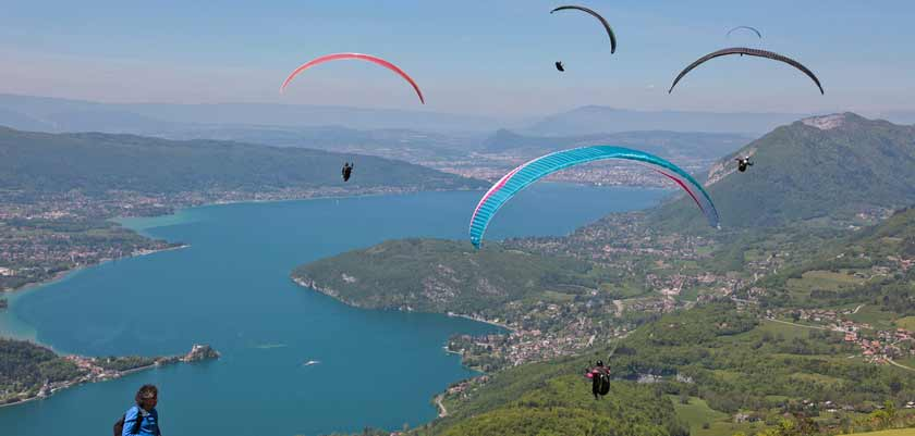 Paragliding in summer, Lake Annecy, France.jpg